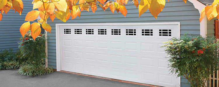 Lincoln garage door with windows