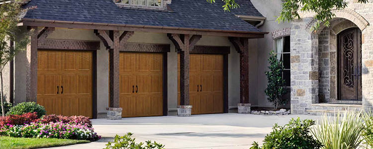 Woodgrain Classica garage door